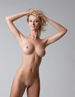Carisha in Pure (nude photo 5 of 16)