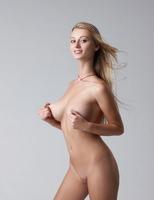 Carisha in Pure (nude photo 8 of 16)