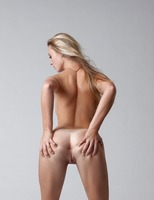 Carisha in Pure (nude photo 10 of 16)