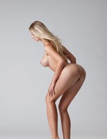 Carisha in Pure (nude photo 12 of 16)