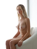 Carisha in Do Your Best (nude photo 12 of 16)