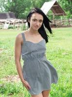 Valeria E in The Valley (nude photo 1 of 16)
