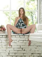 Tamara U in Natural Beauty (nude photo 8 of 16)