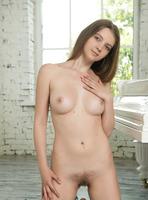 Tamara U in Natural Beauty (nude photo 16 of 16)