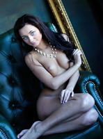 Dominika W in Style by Femjoy (nude photo 1 of 16)