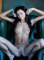 Dominika W in Style by Femjoy (nude photo 3 of 16)