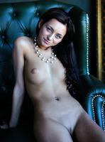 Dominika W in Style by Femjoy (nude photo 8 of 16)