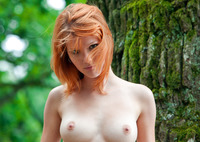 Mia Sollis in Red Beauty (nude photo 1 of 16)