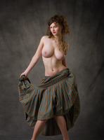 Susann in Baroque by Femjoy (nude photo 2 of 16)
