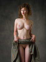 Susann in Baroque by Femjoy (nude photo 7 of 16)