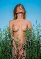 Rena in Feels Good by Femjoy (nude photo 3 of 16)