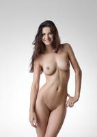 Lauren in Me by Femjoy (nude photo 1 of 12)