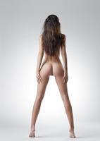 Lauren in Me by Femjoy (nude photo 5 of 12)