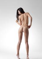Lauren in Me by Femjoy (nude photo 8 of 12)