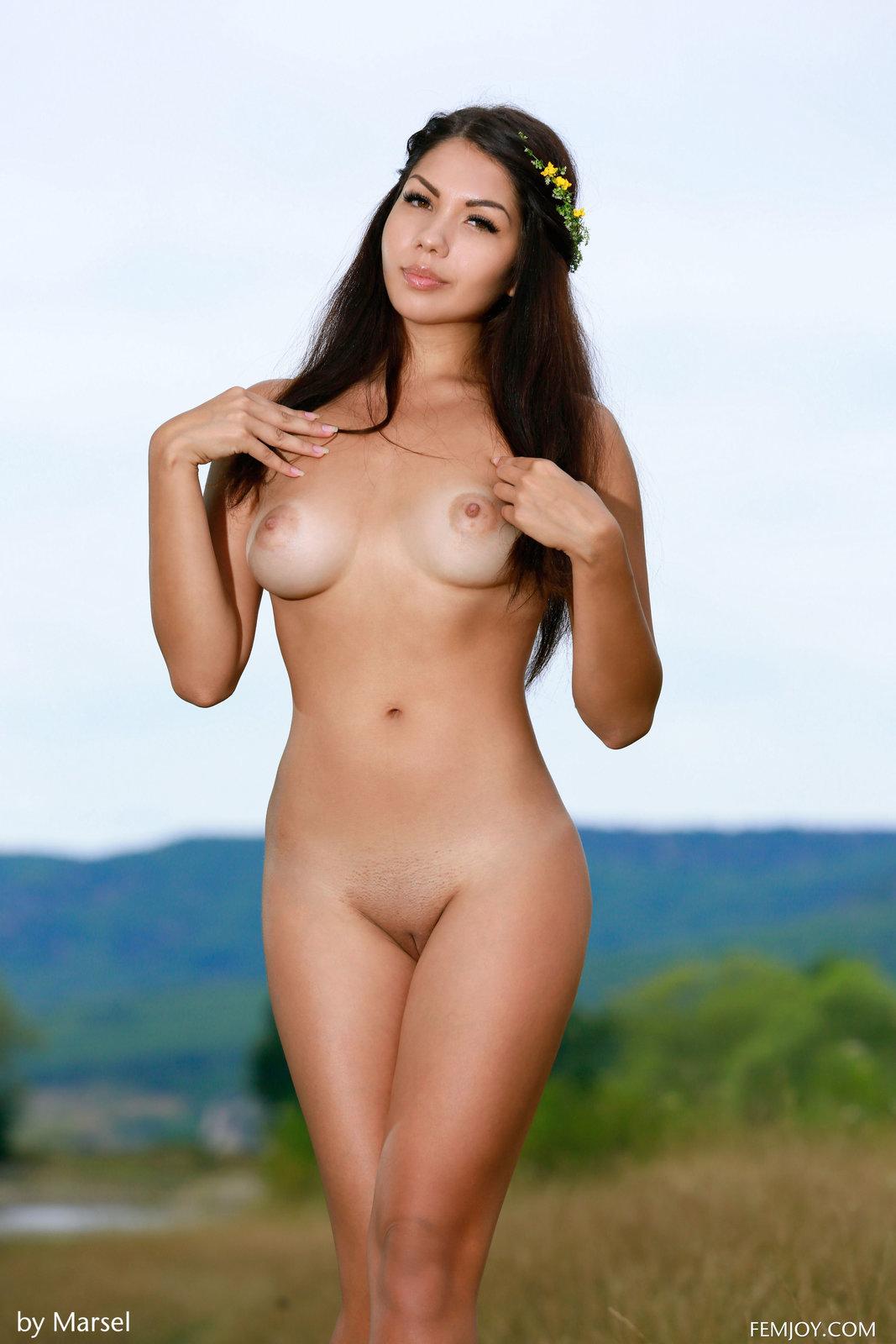 Free Erotic Milf Pics