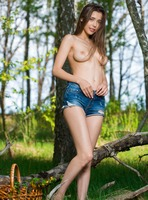 Milla D in Join by Femjoy (nude photo 6 of 16)