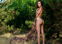 Belisa G in Hello by Femjoy (nude photo 4 of 12)