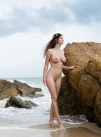 Susann in Save Me by Femjoy (nude photo 5 of 12)