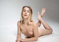 Alecia Fox in Flexible by Femjoy (nude photo 10 of 16)
