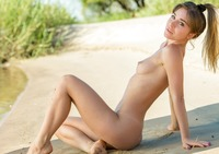 Natalia E in Paradise by Femjoy (nude photo 9 of 16)