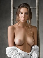 Clover in Higher by Femjoy (nude photo 3 of 12)
