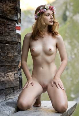 12 Pics: Sienna R in Joy by Femjoy