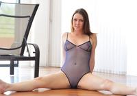 Meghan in Dancing Nude (nude photo 6 of 15)