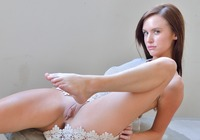Jayden in Barefoot Spreads (nude photo 5 of 16)