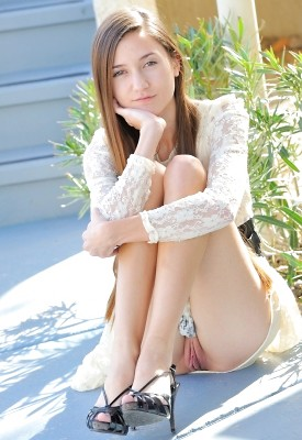 teens-naked-woman-model-vulva-anime-couples
