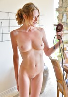 FTV model Anya in Natural Nude Figure (nude photo 11 of 16)