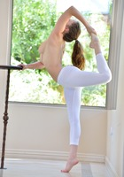 Avri in Flexible Both Ways by FTV Girls (nude photo 8 of 16)