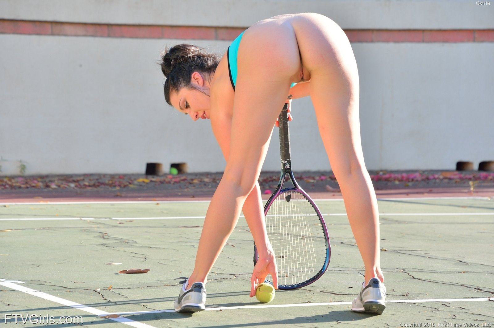 Спортсменка без трусов голая, ххх присланное видео