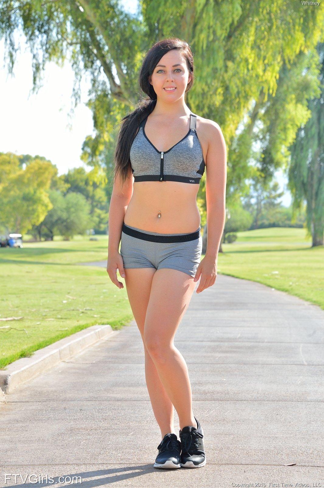 nude sporty girl