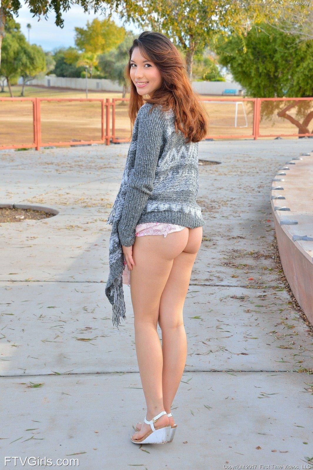 https://cdn.eroticbeauties.net/content/ftvgirls_7532_melody_at-the-playground/full/10.jpg