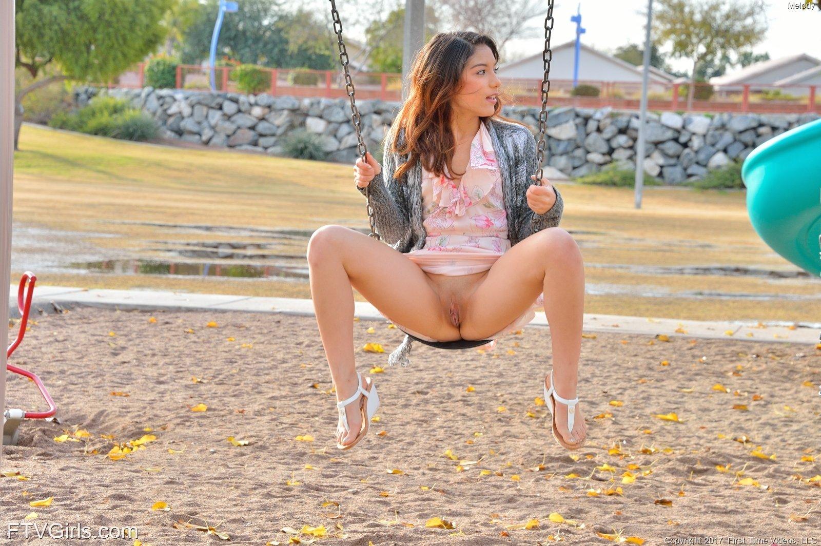 https://cdn.eroticbeauties.net/content/ftvgirls_7532_melody_at-the-playground/full/15.jpg