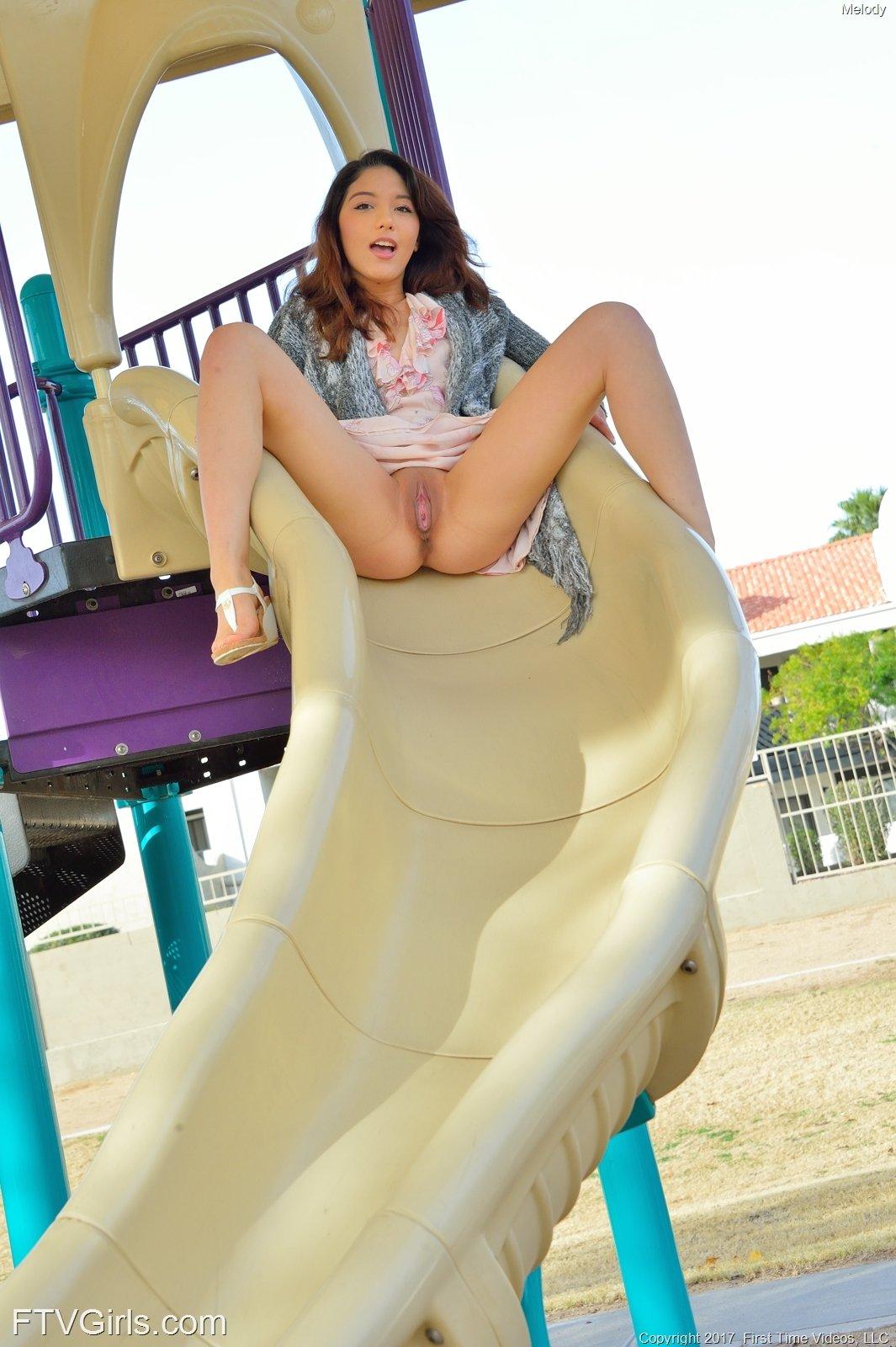 https://cdn.eroticbeauties.net/content/ftvgirls_7532_melody_at-the-playground/full/16.jpg