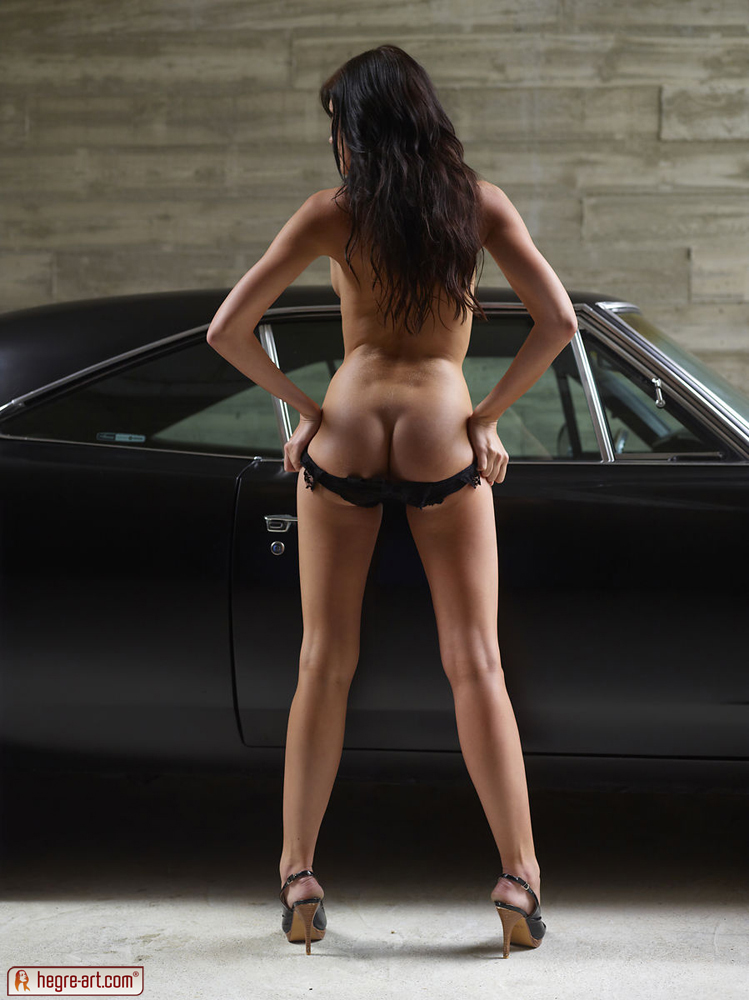 Tereza In Muscle Car Girl By Hegre-Art 16 Photos -4637