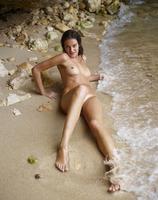 Zaika in Sex On The Beach (nude photo 3 of 18)