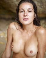 Zaika in Sex On The Beach (nude photo 15 of 18)
