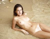 Zaika in Gozo Beach (nude photo 1 of 16)