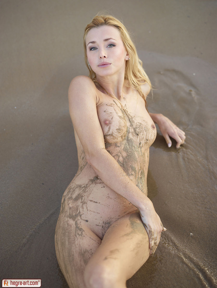 Coxy In Dirty Girl By Hegre-Art 16 Photos  Erotic Beauties-9104