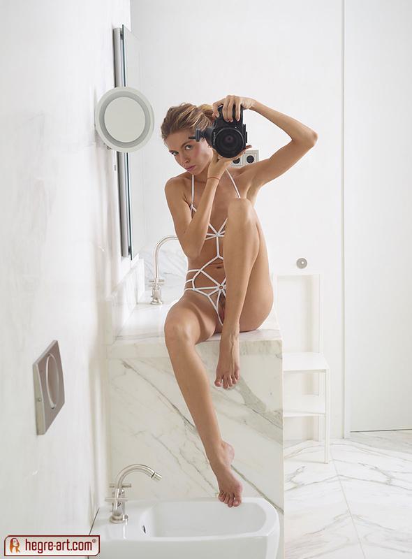 shoestring-bikini-pussy