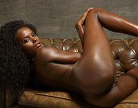Valeria in Finger Fun (nude photo 4 of 32)
