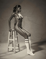 Ebony goddess Simone shows athletic body in classic nudes (nude photo 1 of 16)