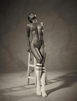 Ebony goddess Simone shows athletic body in classic nudes (nude photo 3 of 16)