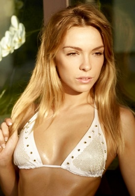 16 Pics: Hegre-Art nude Amber in White Bikini