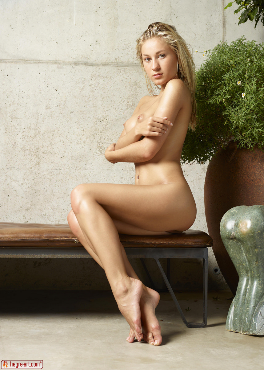 Darina L In Insanely Sexy By Hegre-Art (nude Photo 13 Of 16)