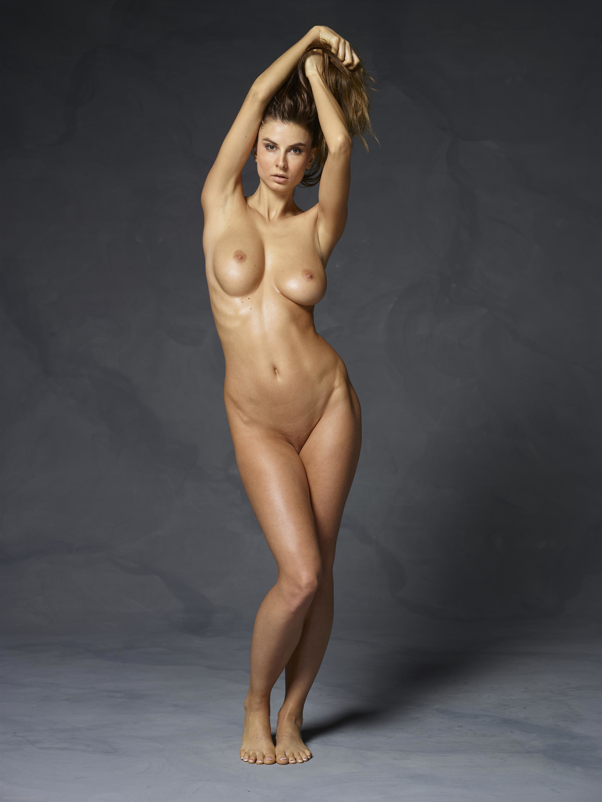 full-nude-lady