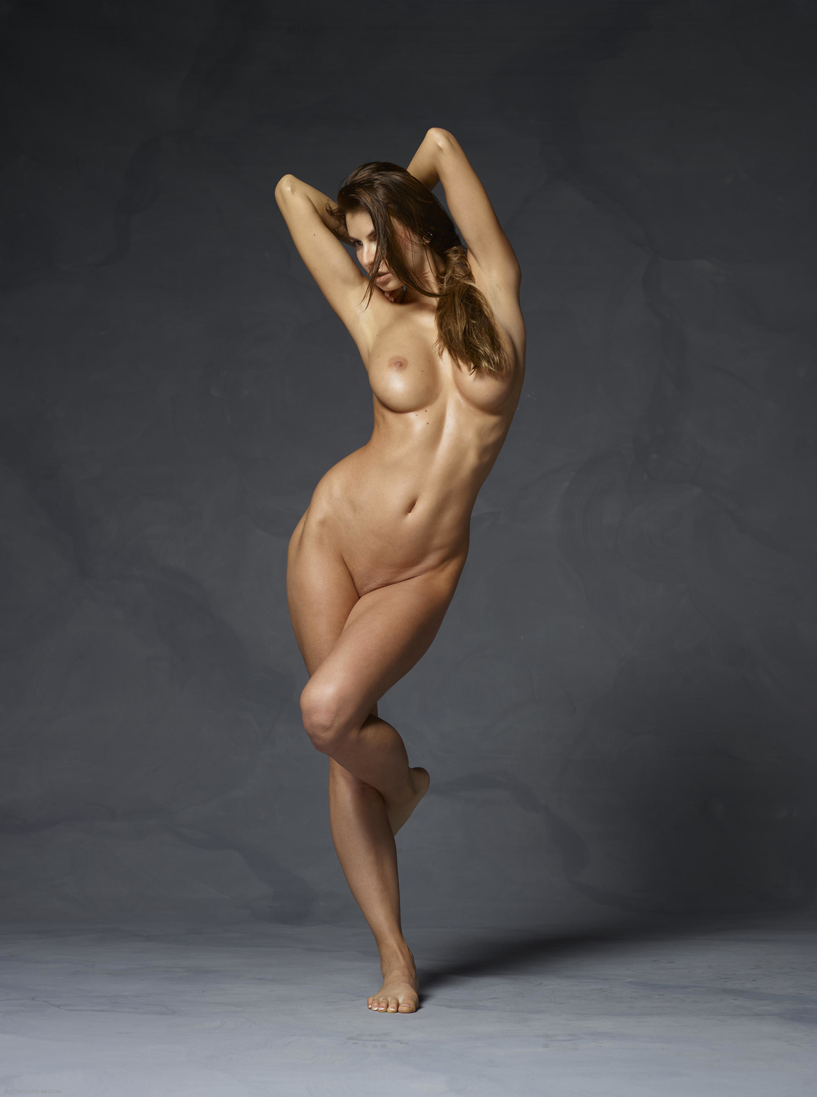 nude-body-lifters