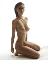 Marisa in Madonna by Hegre-Art (nude photo 10 of 16)